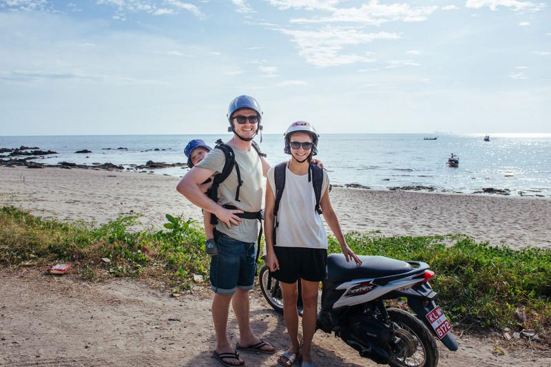 Opice, sloni, skútry a poslední den u moře