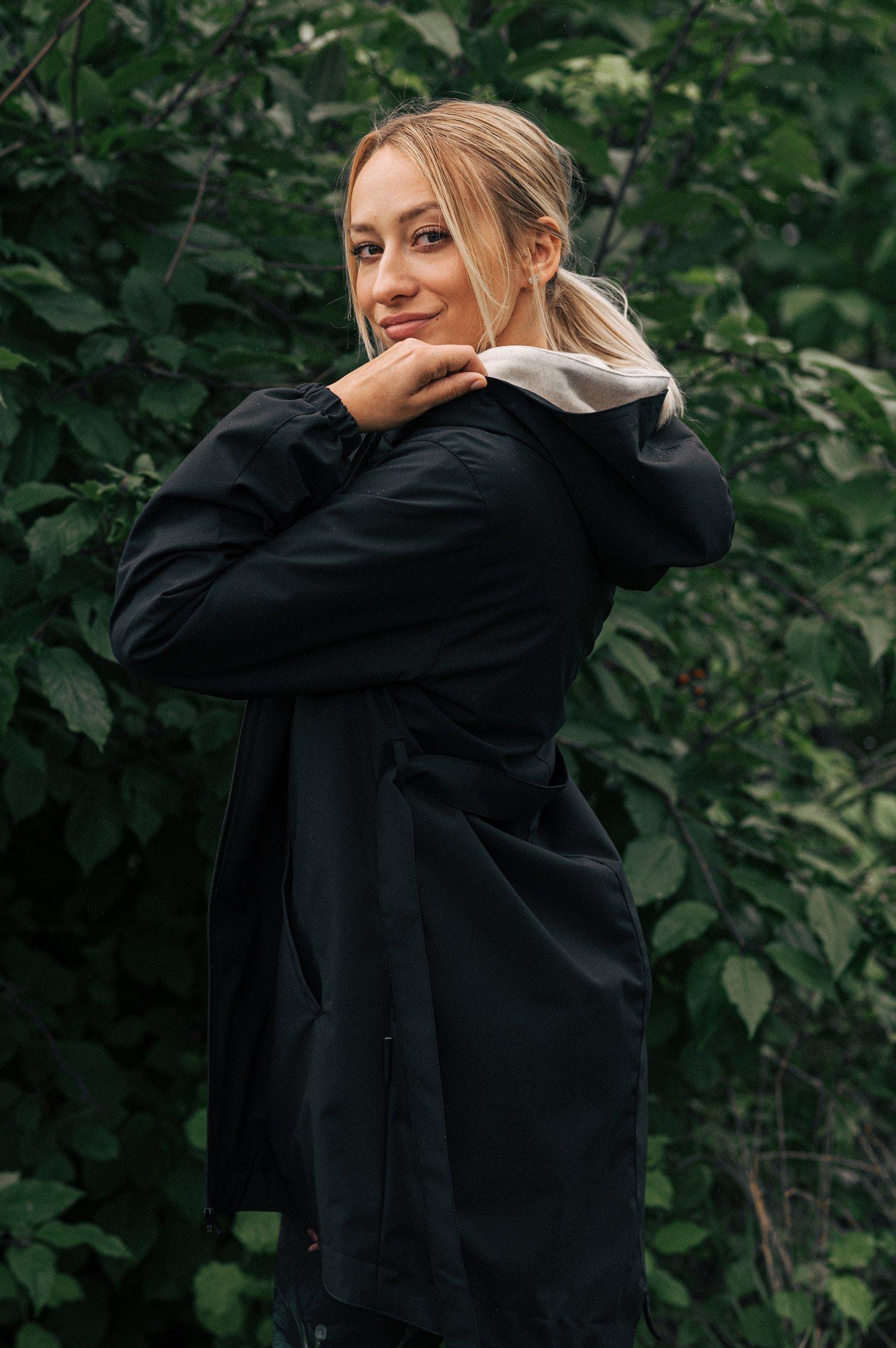 Základ šatníku Ebby černá