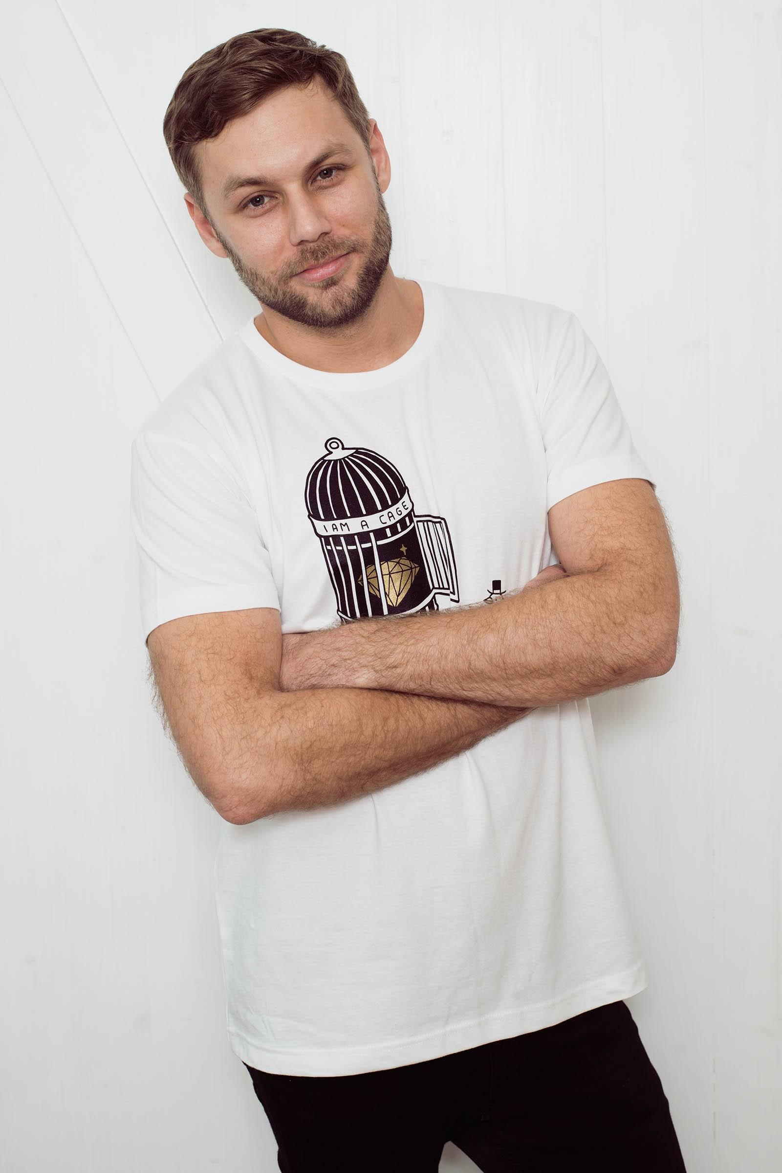 t-shirt for men Cage white