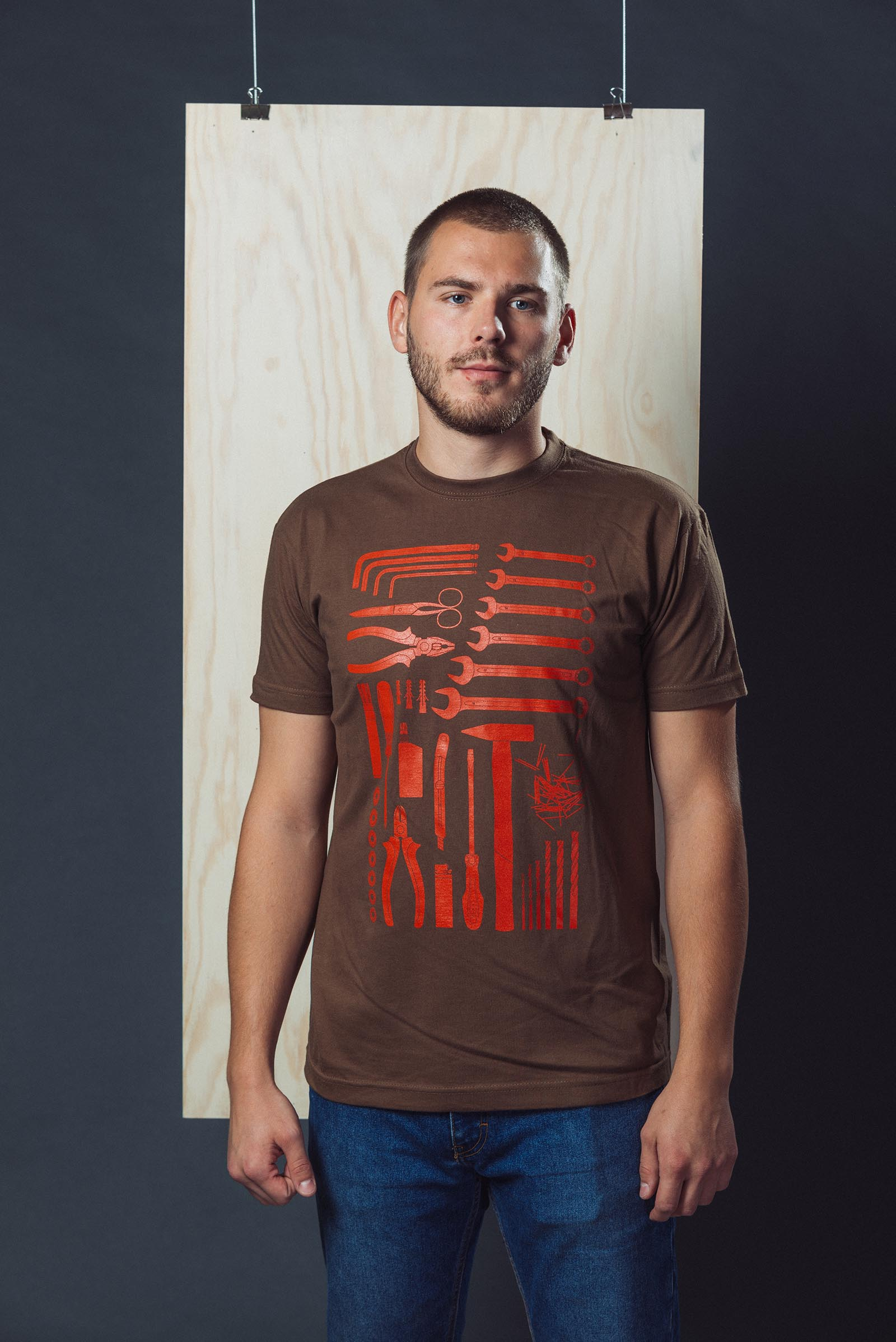 Tees Handyman brown