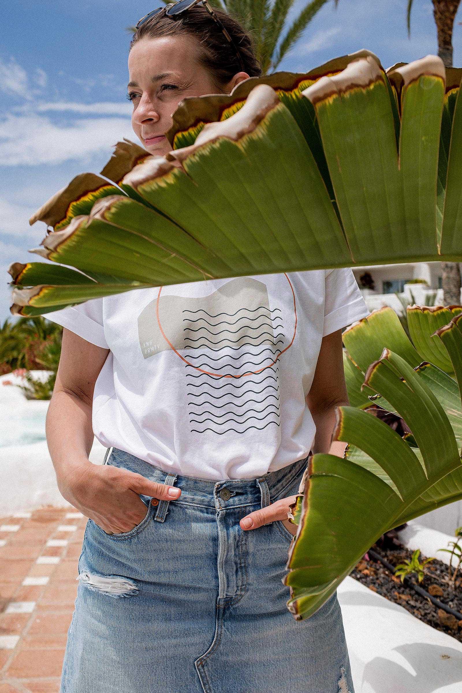 t-shirt and shirt Waves white