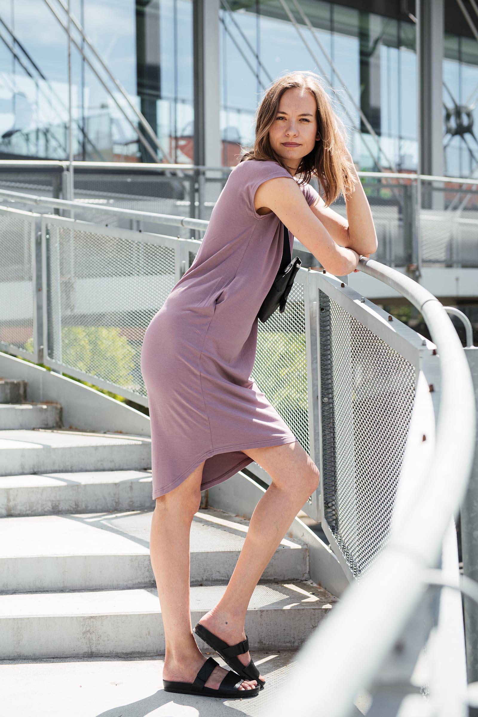 Šaty a sukně Aline rubínová