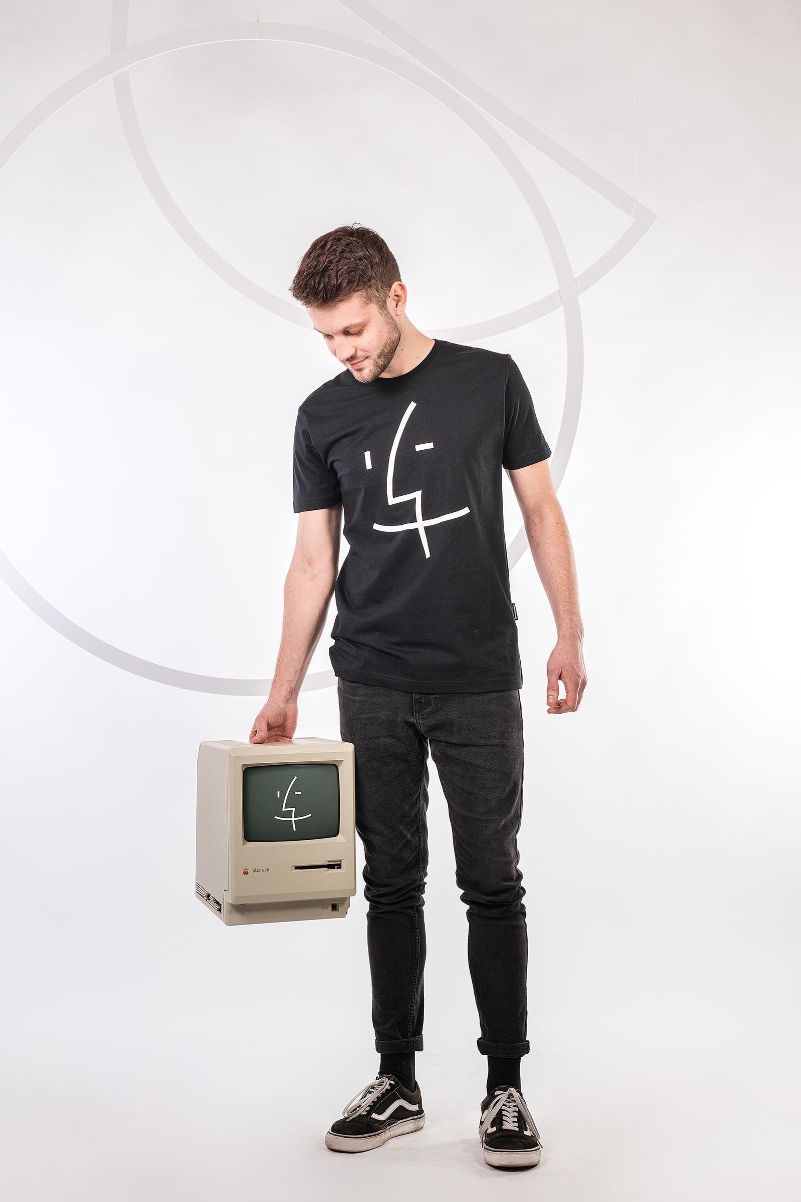 tričko Finder černá