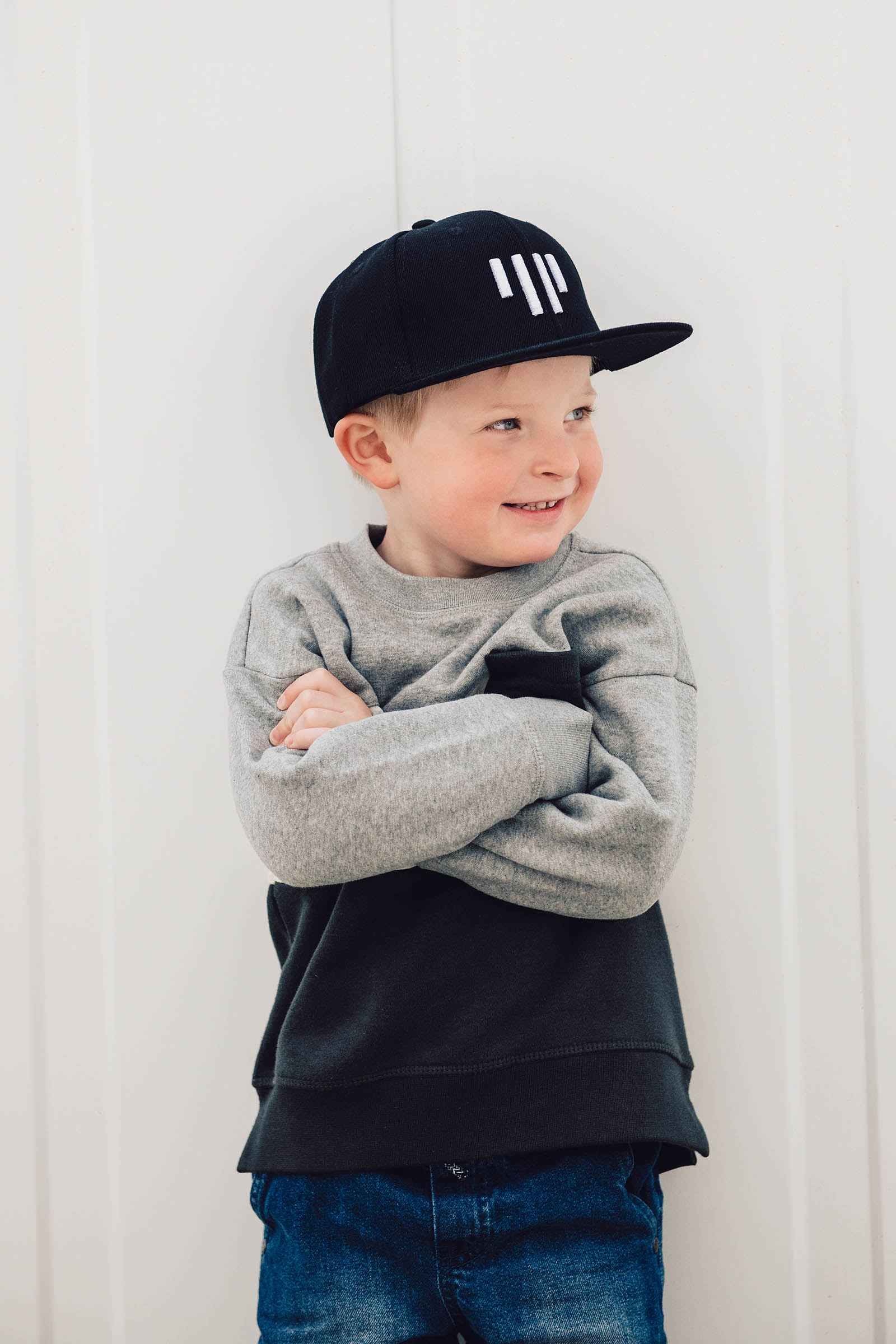 children's outfit Snapback Kids black and white