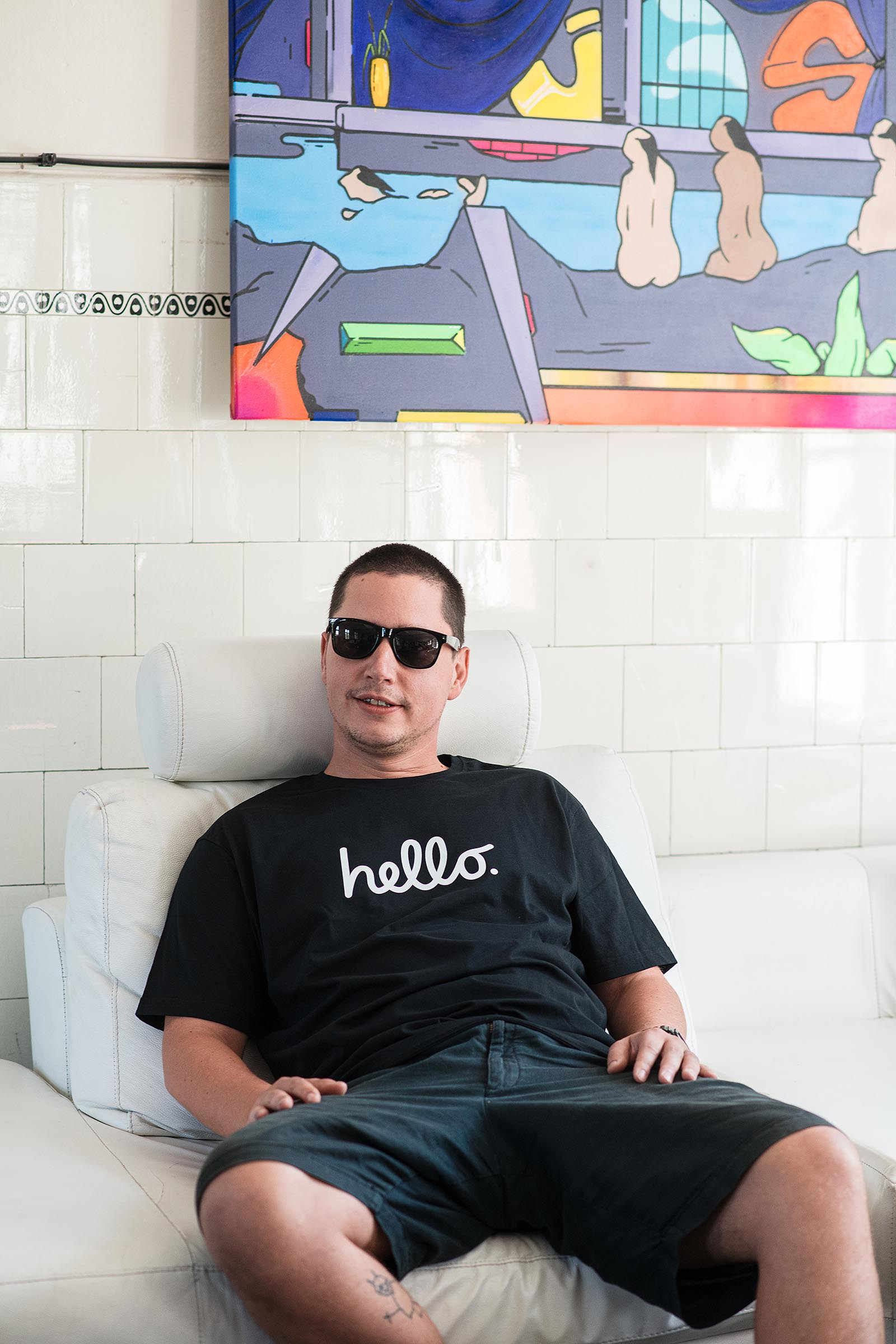 t-shirt for men Hello black