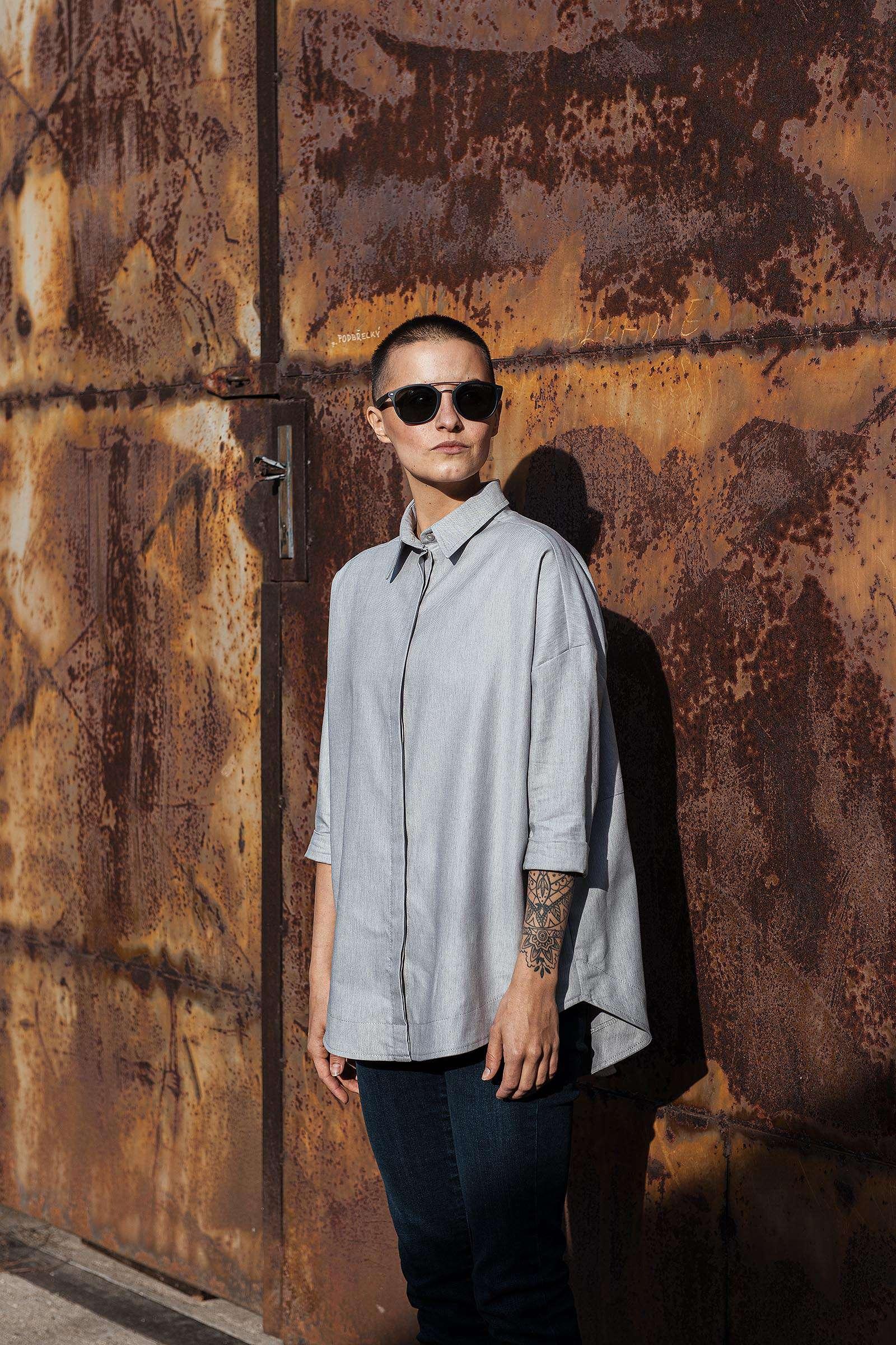 Dámské trička a košile Greta šedá
