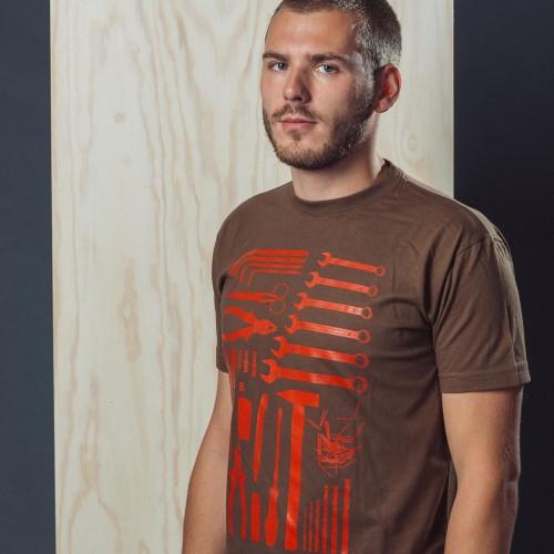 t-shirt for men Handyman brown