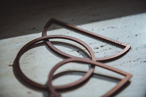 přívěsky a brože Element bronzová