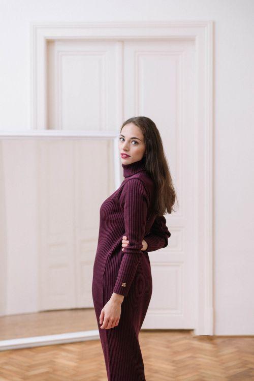 Šaty a sukně Astrid vínová
