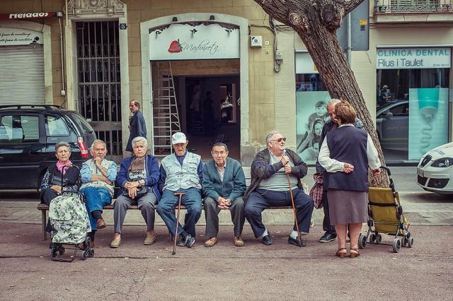 Barcelónští důchodci.