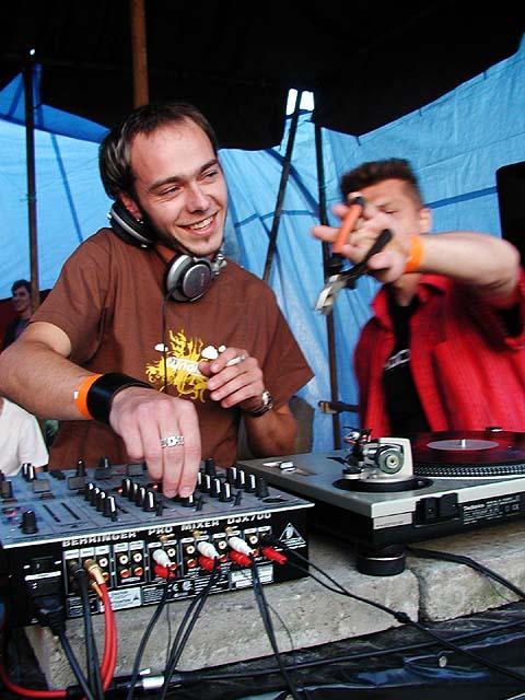 DJ Norman podruhé v rytmu kombinaček