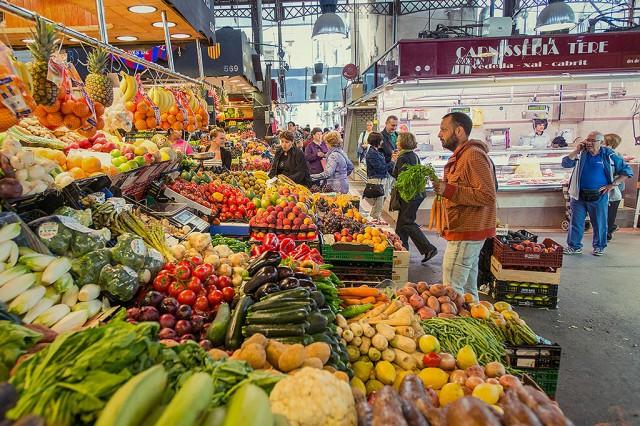 Velká tržnice s hromadou dobrot