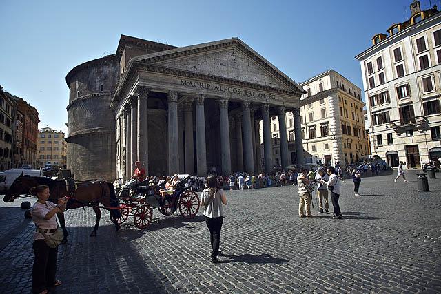 Pantheon. Ten mě bavil