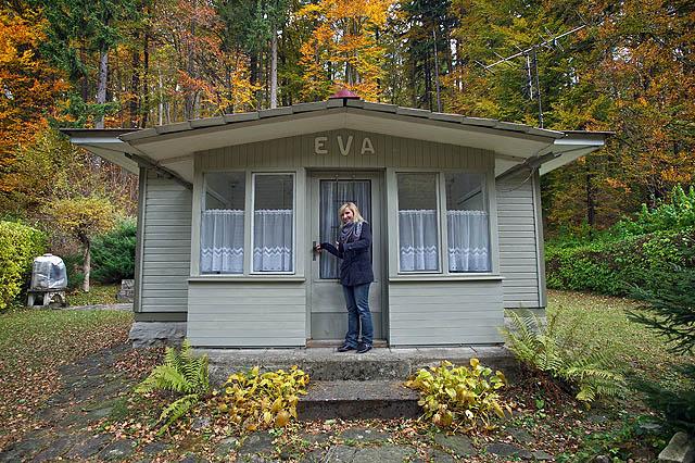Eva n�m uk�zala svou novou chatu