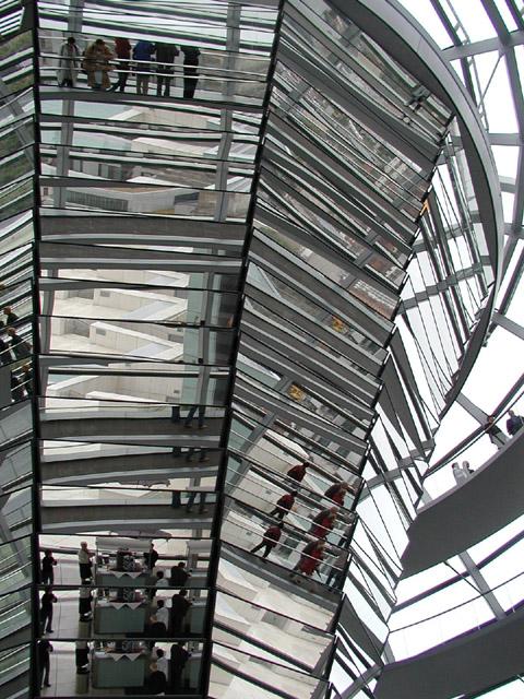 Das is Reichstag und klassik bild z tama.