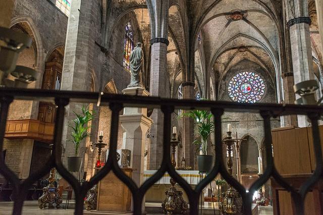 Interiér jednoho Gotického kostela - teď sem zapoměl to jméno no